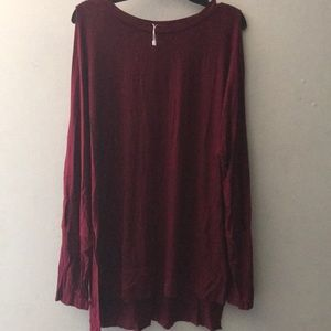 Large Leo Rosi open arm top brand new